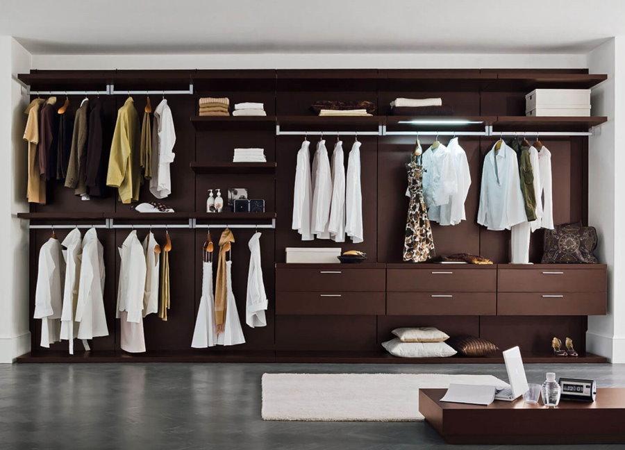 Панельная гардеробная линейной планировки