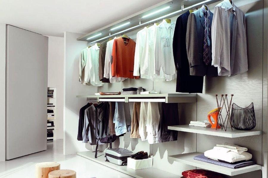 Панельный гардероб бизнес-класса для мансарды
