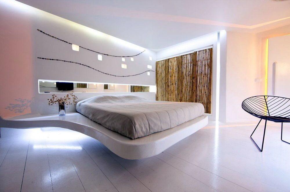Декор спальни с парящей кроватью в интерьере