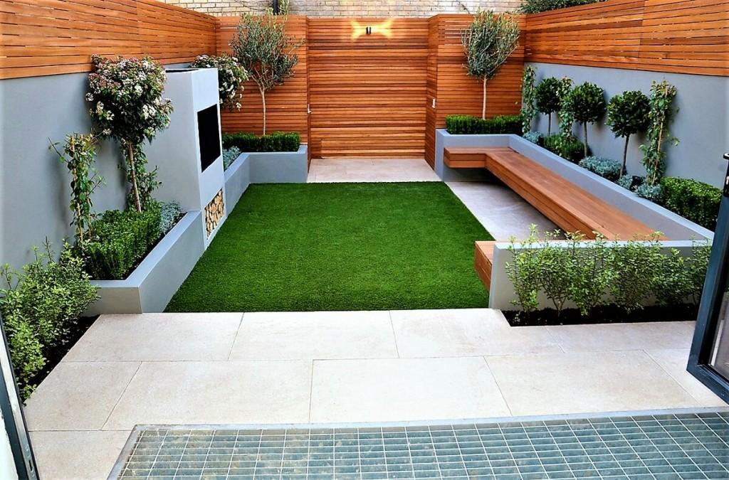 Патио в стиле минимализма с квадратным газоном
