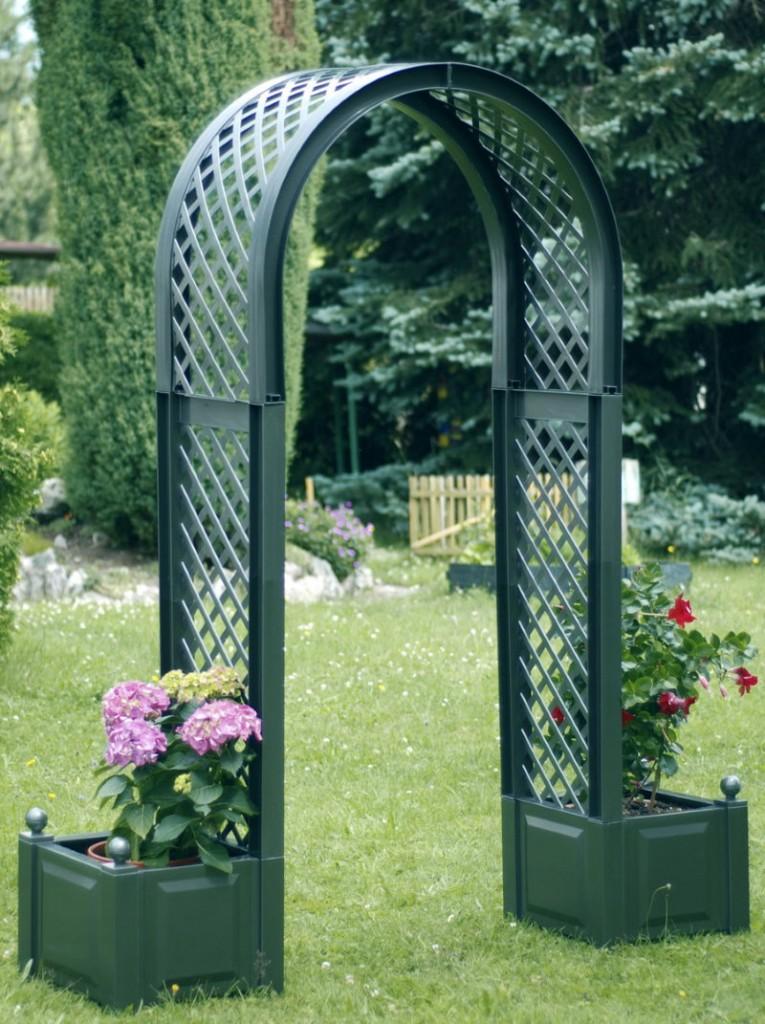 Пластиковая арка с ящиками для растений