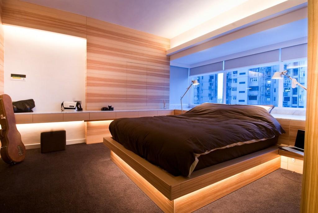 Широкая кровать-подиум с подсветкой внизу