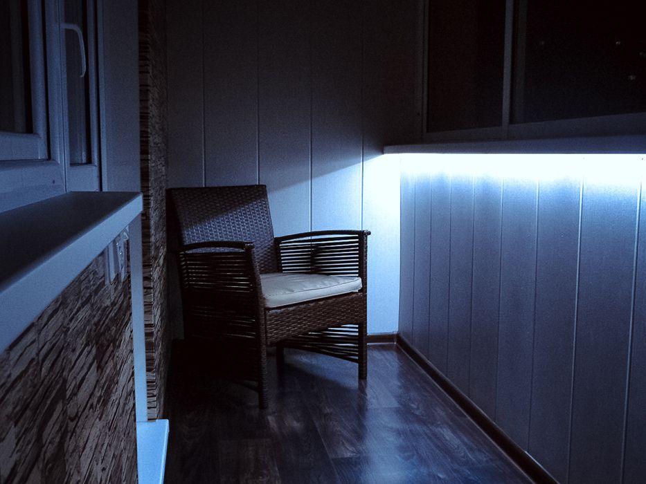 Декоративная подсветка светодиодной лентой на лоджии
