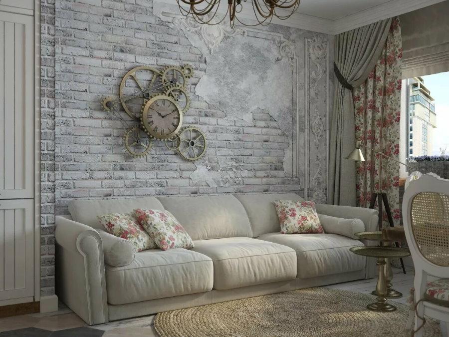Старые обои над диваном в гостиной стиля прованс