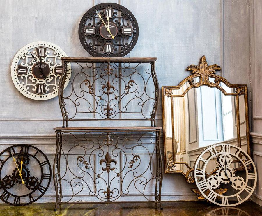 Кованный декор для гостиной в стиле прованс