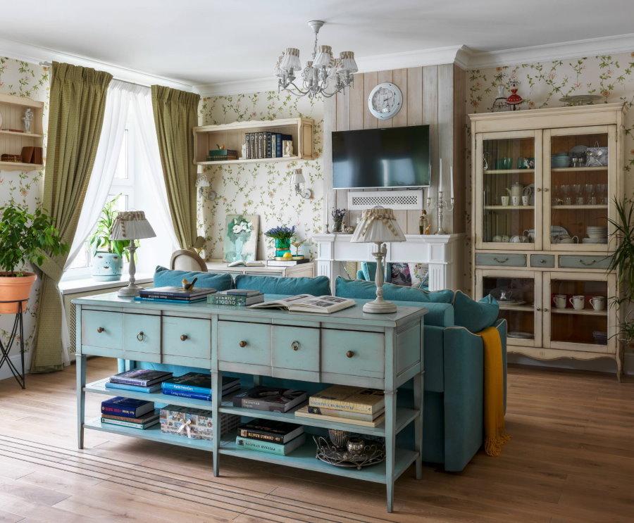Расстановка мебели в гостиной провинциального стиля