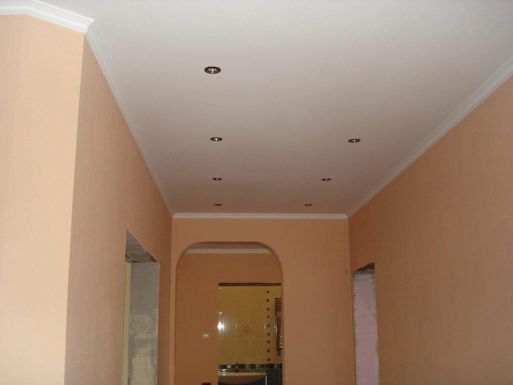 встроенные светильники в потолке из гипсокартона