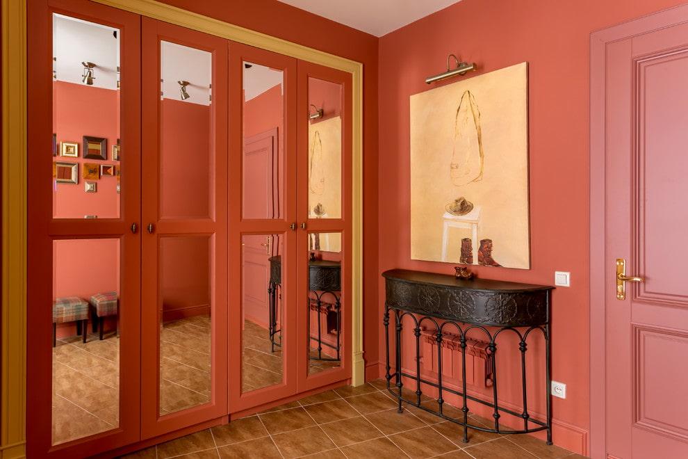 Зеркальные вставки на дверцах распашных шкафов