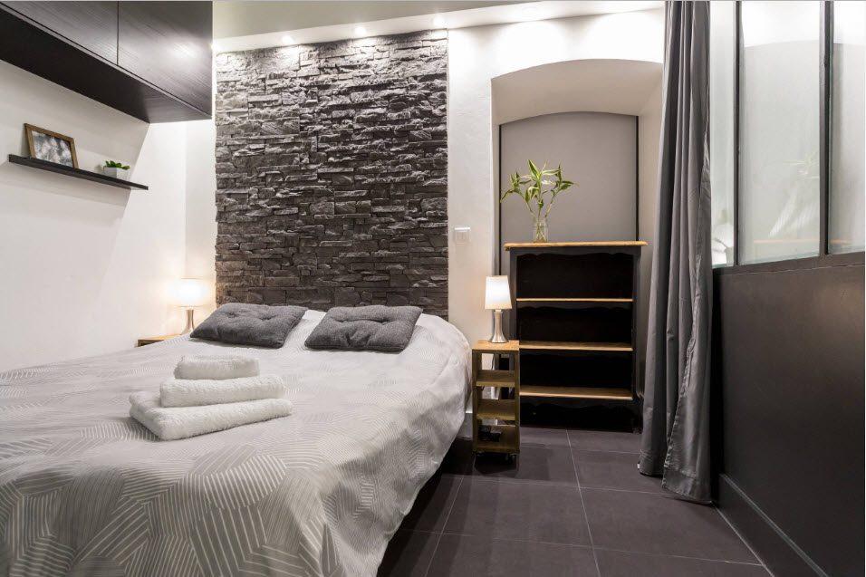Расстановка мебели в очень узкой спальне