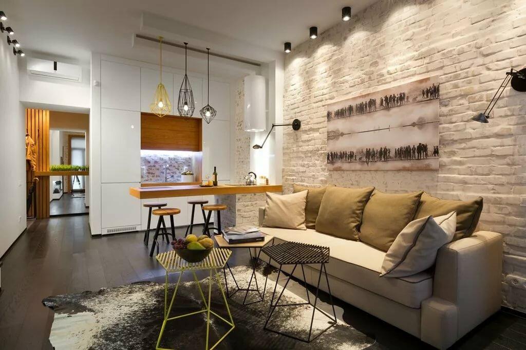 Светлая кирпичная кладка в квартире лофт стиля