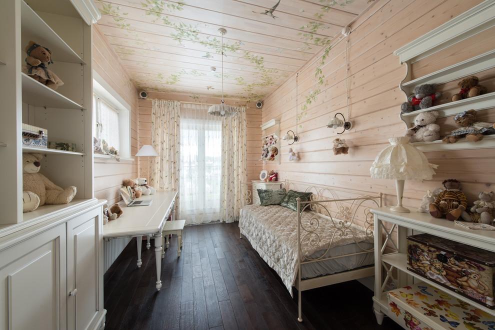 Деревянная вагонка в интерьере комнаты для девочки