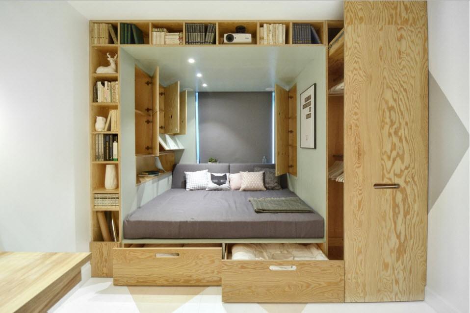 Встроенный подиум с выдвижными ящиками