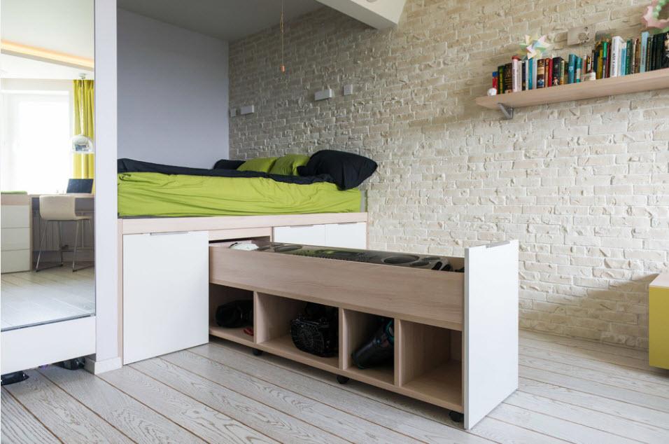 Система хранения вещей в подиуме с кроватью