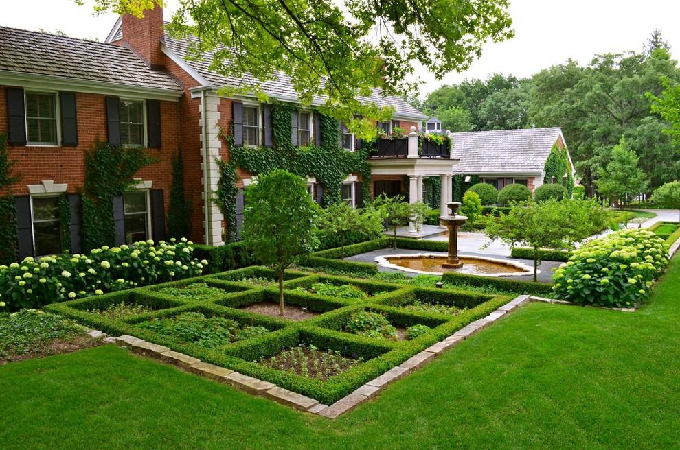 Парадная зона в саду английского стиля