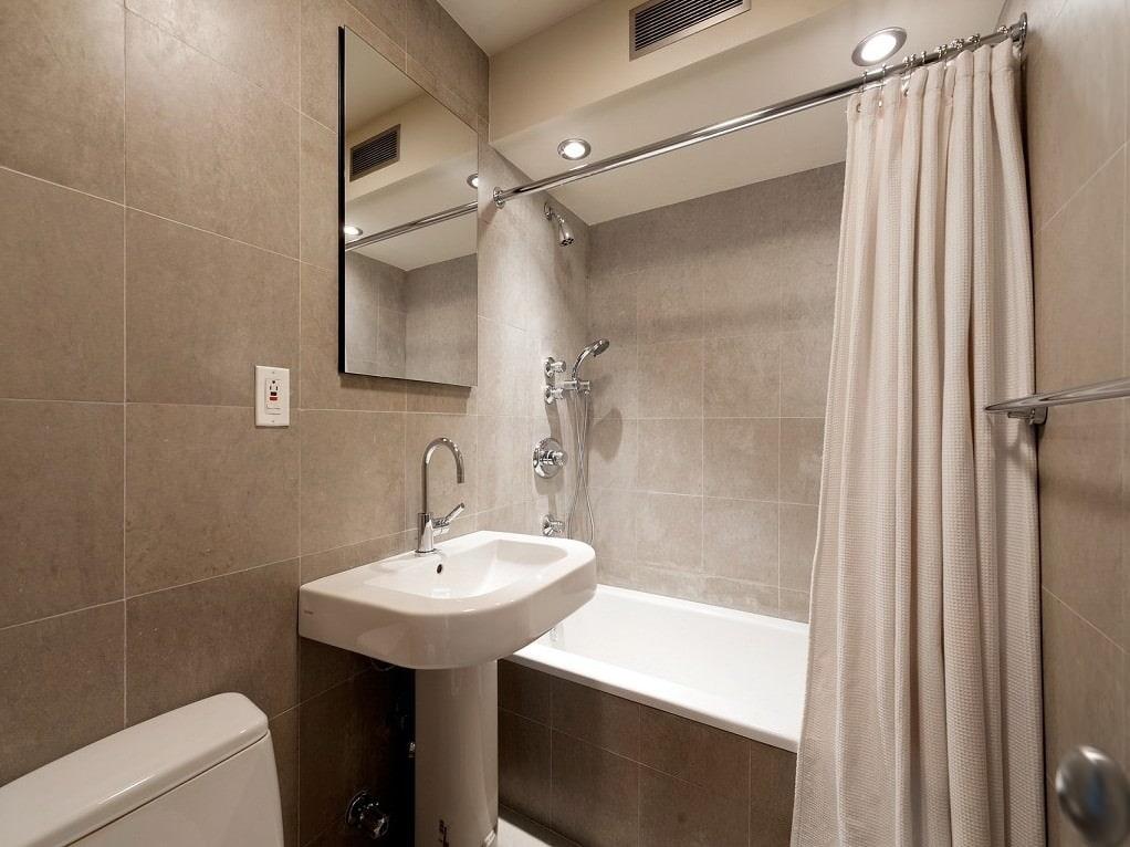Оформление ванной комнаты в бежевых тонах