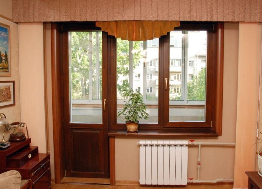 Балконная дверь с непрозрачной вставкой внизу