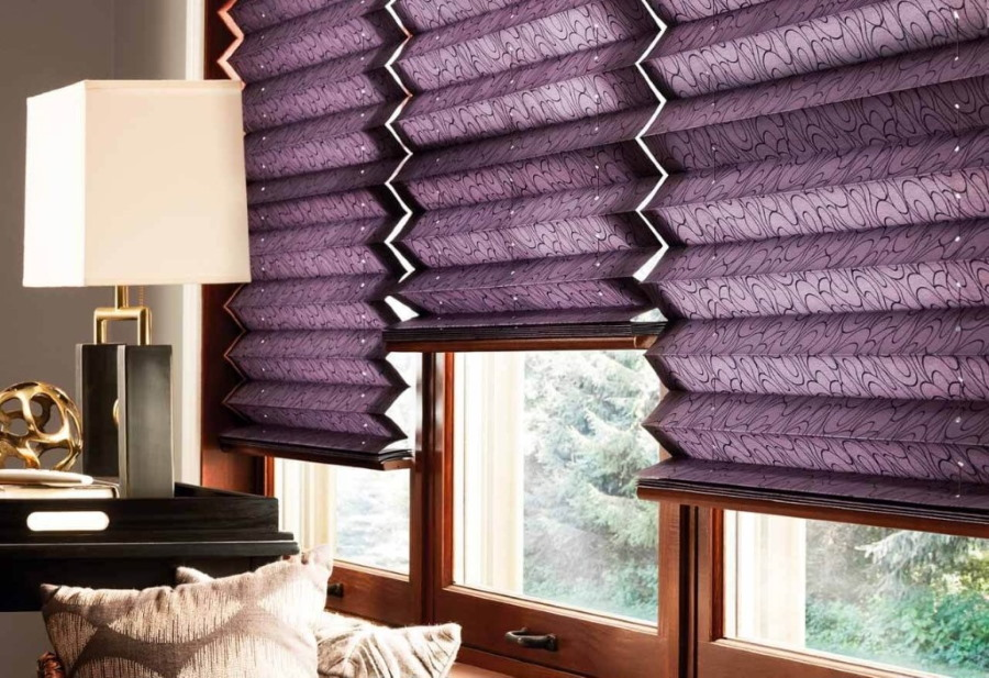 Темно-фиолетовые жалюзи из плотной бумаги