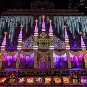 Декорирование фасада здания с помощью освещения