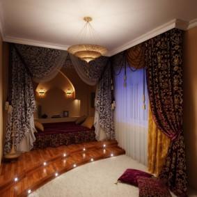 Декорирование комнаты шторами в восточном стиле