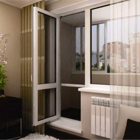 Распашная дверь балкона с остеклением внизу