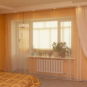 Декор окна в спальной комнате