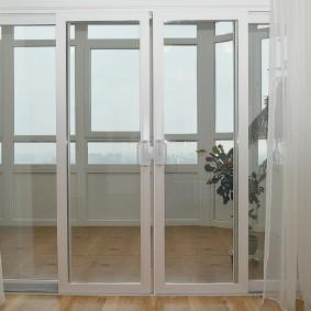 Раздвижные створки балконного блока
