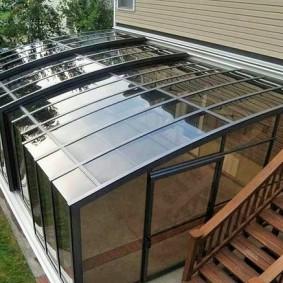 Крыша на веранде из литого поликарбоната