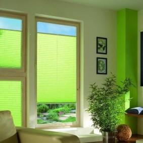 Зеленые шторы из обычной бумаги