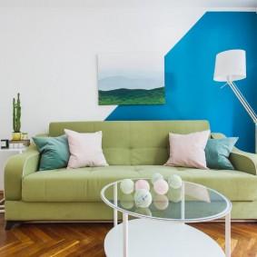 Декор стены красками разного цвета