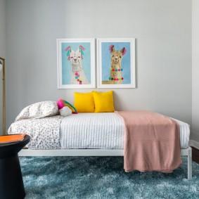 Детские картины над кроватью в спальне