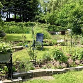 Декорирование сада своими силами