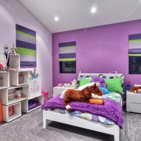 Детская спальня в сиреневых тонах