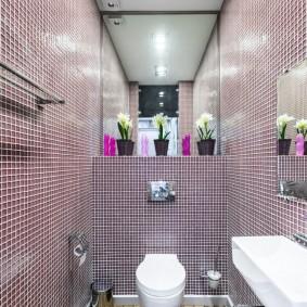 Мелкая плитка в туалете с раковиной