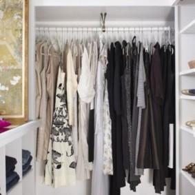 Наполнение женского гардеробного шкафа