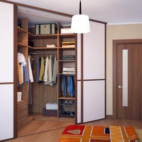Угловой гардероб с раздвижными дверями