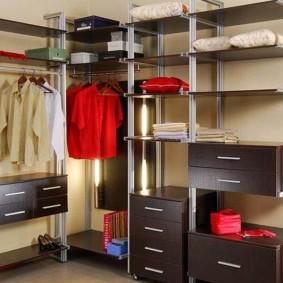 Модульная гардеробная на металлических стойках