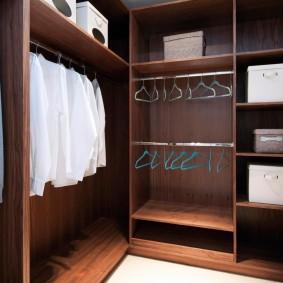 Каркасная мебель в компактном гардеробе