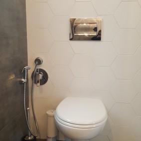 Унитаз с инсталляцией в интерьере туалета