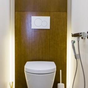 Декоративная подсветка задней стены в туалете