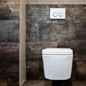 Темно-серая отделка туалета в квартире