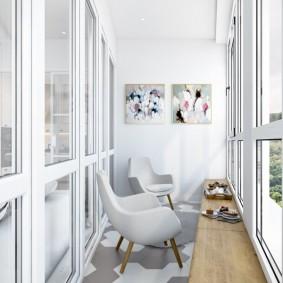 ПВХ-окна на балконе в современном стиле