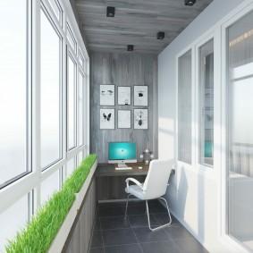 Контейнеры с зеленью на подоконнике балкона