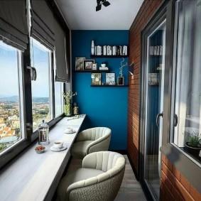 Шикарный интерьер лоджии с теплыми окнами
