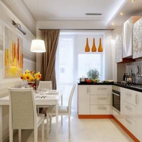 Освещение на кухне с выделенной обеденной зоной