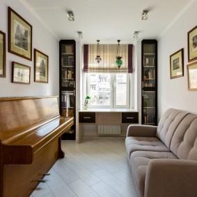 Узкая гостиная в квартире старой планировки
