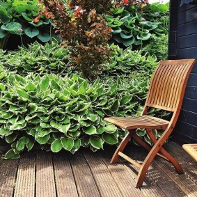 Садовый стульчик из натурального дерева