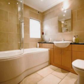 Однотонная плитка в интерьере ванной