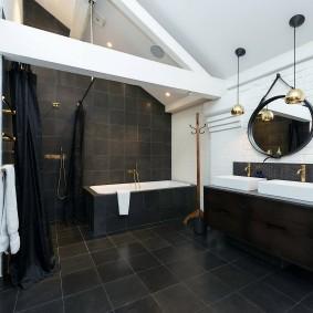 Балки перекрытий на потолке в ванной