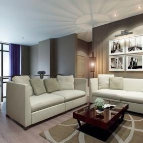 Гостевая зона в двухэтажной квартире