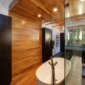 Декор ламинатом потолка в ванной комнате